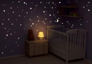 Lichtgevende stickers babykamer
